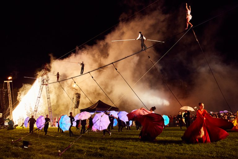 Cirque Bijou present High Wire Finale show at SIRF 2017